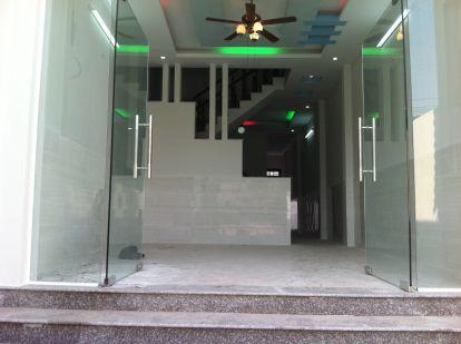 không gian trong nhà mới gần công viên nước dĩ an