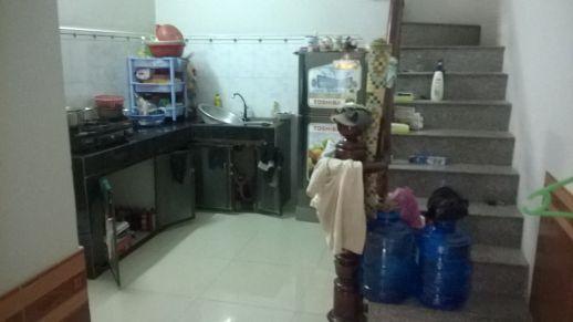 Nhà bếp đẹp của nhà đất mặt tiền dĩ an cần bán