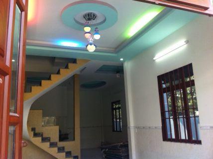 Nhà trang trí hệ thống đèn chiếu sáng kiểu mới.