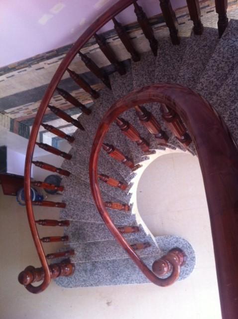 Cầu thang đẹp của biệt thự bình dương chính chủ