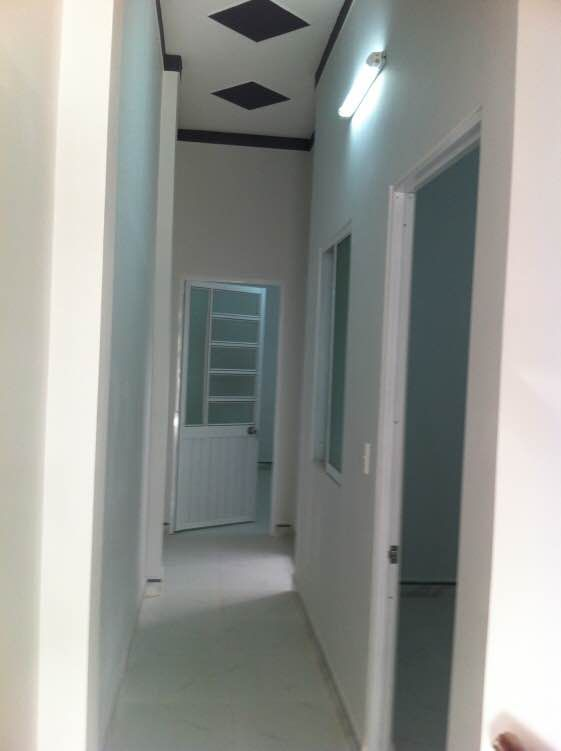 Hàng lang lầu 1.