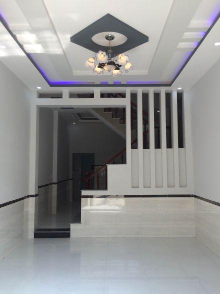 mẫu phòng khách đẹp có cầu thang ở dĩ an bình dương