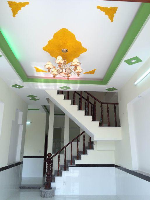 thiết kế trần phòng khách