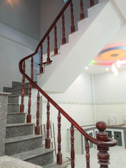 mẫu cầu thang đẹp nhà phố ở dĩ an bình dương