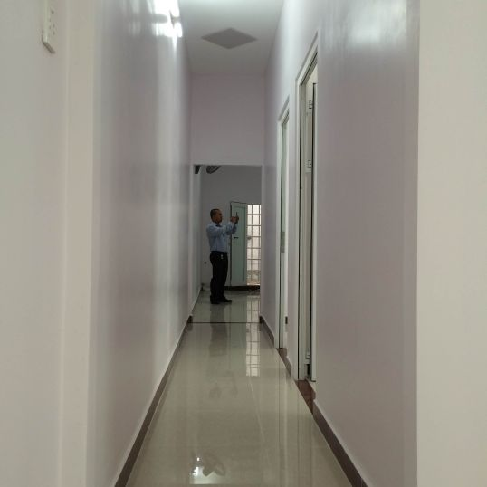 Hành lang lầu 1.