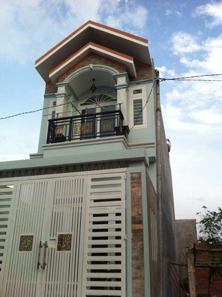 nhà 1 trệt 1 lầu mái ngói ở dĩ an bình dương