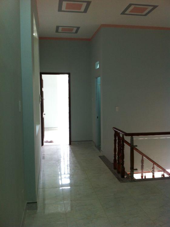 không gian tầng lầu