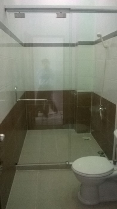 nhà vệ sinh đẹp cho nhà ống