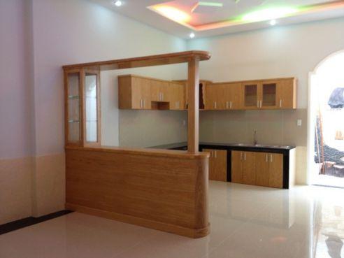 Bếp toàn bộ được làm bằng gỗ cao cấp.
