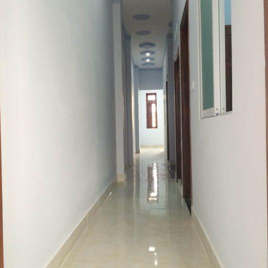 Hành lang trên lầu 1,