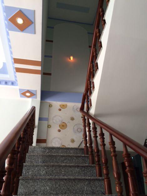 Trang trí cầu thang đẹp