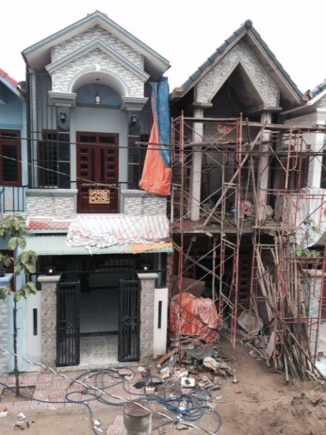 Căn nhà đang xây dựng.