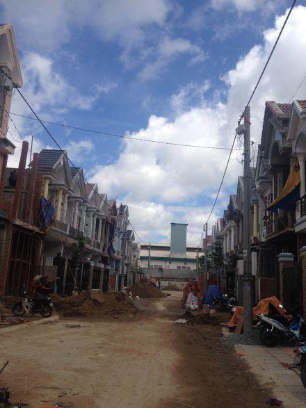 Nhà trong khu phố đang phát triển.