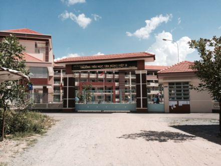 Nhà gần trường học dĩ an