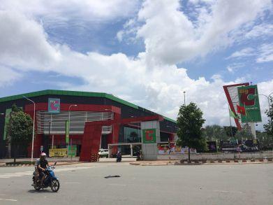 Gần trung tâm siêu thị big c dĩ an.