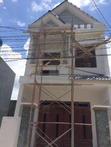 Căn nhà xây dựng đang trong quá trình hoàn thiện.