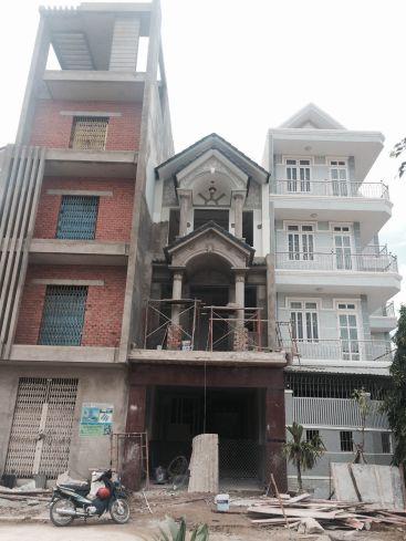 Nhà 2 tầng kiểu dáng hiện đại.