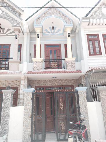 Căn nhà 1 trệt 1 lầu thiết kế đẹp.
