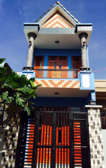 căn nhà với màu sắc sinh động.