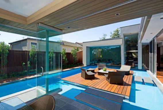 Mẫu biệt thự có hồ bơi, bài trí hợp phong thủy.
