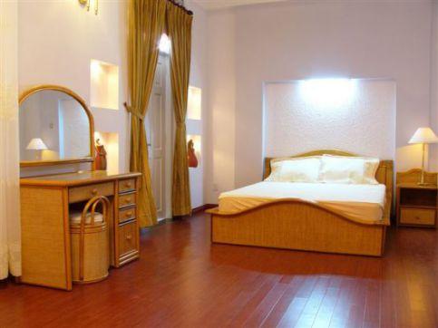 Mẫu phòng ngủ bằng sàn gỗ-->Hình 3