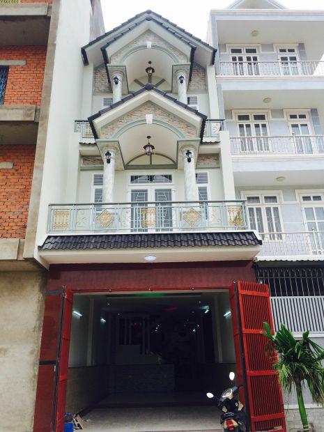 Nhà 2 tầng hiện đại.
