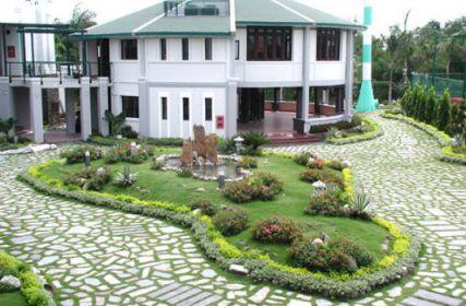 mẫu nhà phố có sân vườn hiện đại thiết kế 1