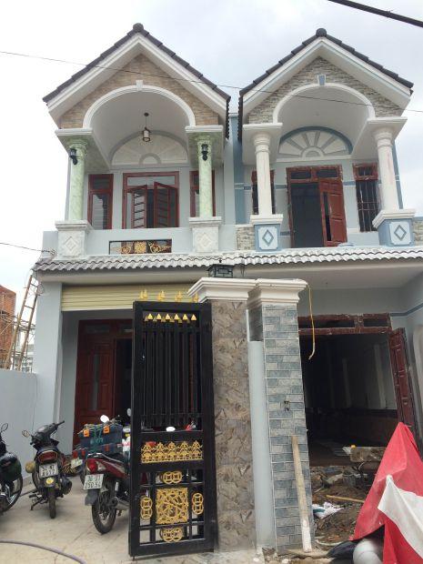 Nhà mới 1 lầu 1 trệt.