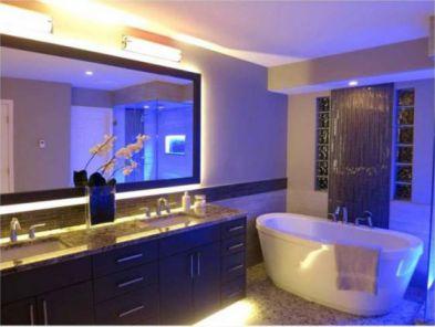 Mẫu phòng tắm có đèn LED H7