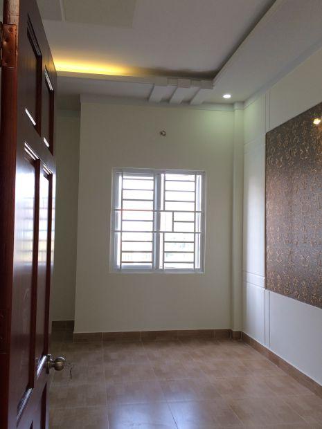 Phòng ngủ có cửa sổ thông gió.