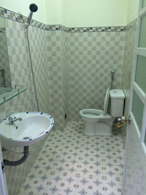 Nhà vệ sinh nhỏ xinh
