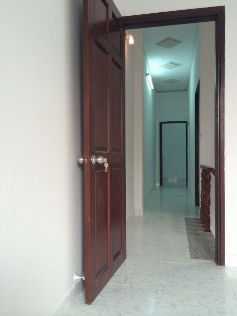 cửa bằng gỗ