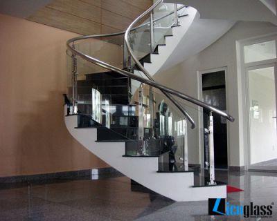 Cầu thang cho nhà ống hiện đại M8
