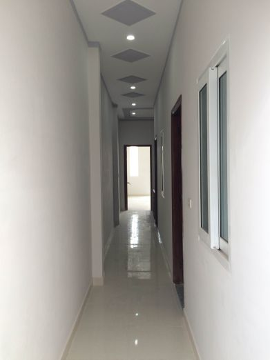 Hành lang trên tầng lầu.