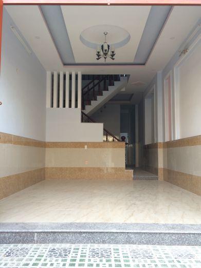Phòng khách có trần thạch cao,