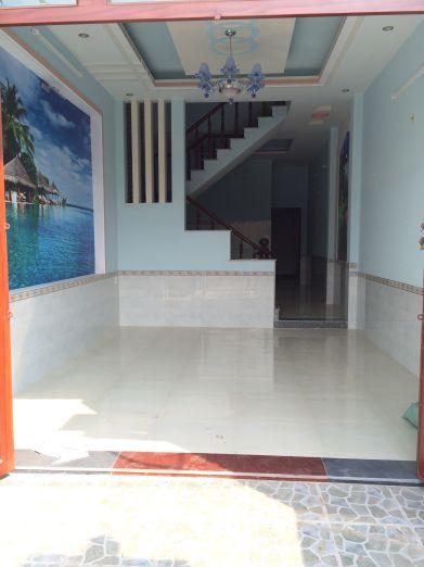 Phòng khách rộng rãi, nội thất sử dụng loại cao cấp.