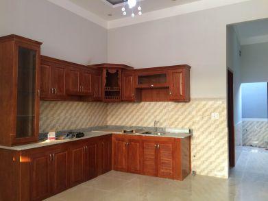 Bếp toàn bộ được làm bằng gỗ.