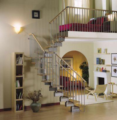 Mẫu cầu thang tiết kiệm diện tích cho gia đình - Thiết kế 1