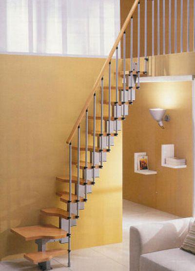 Mẫu cầu thang tiết kiệm diện tích cho gia đình - Thiết kế 2