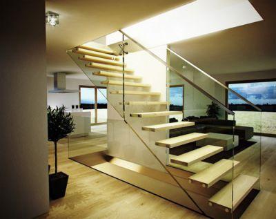 Mẫu cầu thang tiết kiệm diện tích cho gia đình - Thiết kế 4