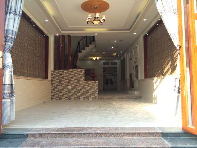 Phòng khách được thiết kế nội thất cao cấp.
