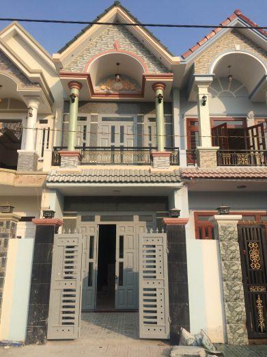 Căn nhà thiết kế đẹp, sử dụng gam màu nhẹ nhàng.