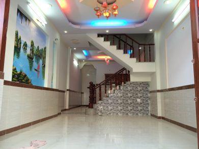 Phòng khách trang trí đẹp, trần thạch cao, hệ thống đèn chiếu sáng kiểu mới.