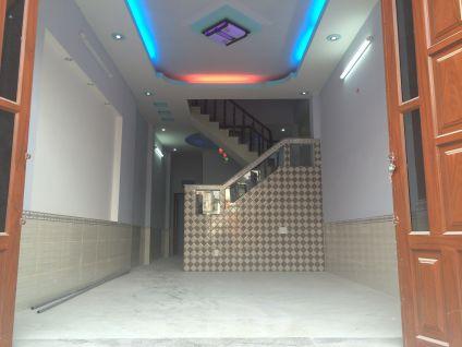 Trần thạch cao, nội thất sử dụng loại cao cấp.