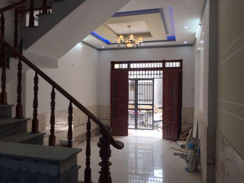 Phòng khách liền kề cầu thang đẹp