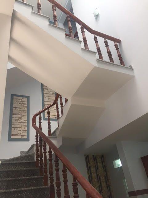 Kiểu cầu thang nhà phố