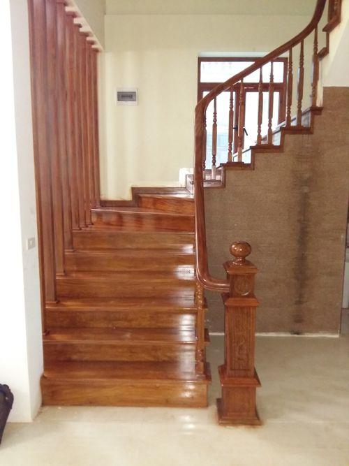 cầu thang gỗ đẹp--Kiểu dáng 4