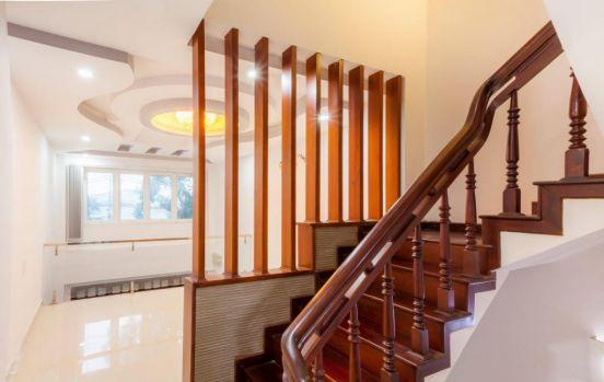 mẫu cầu thang đẹp nhà ống--Thiết kế 11