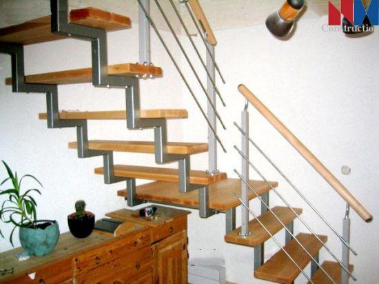 mẫu cầu thang sắt đơn giản--Kiểu dáng 9