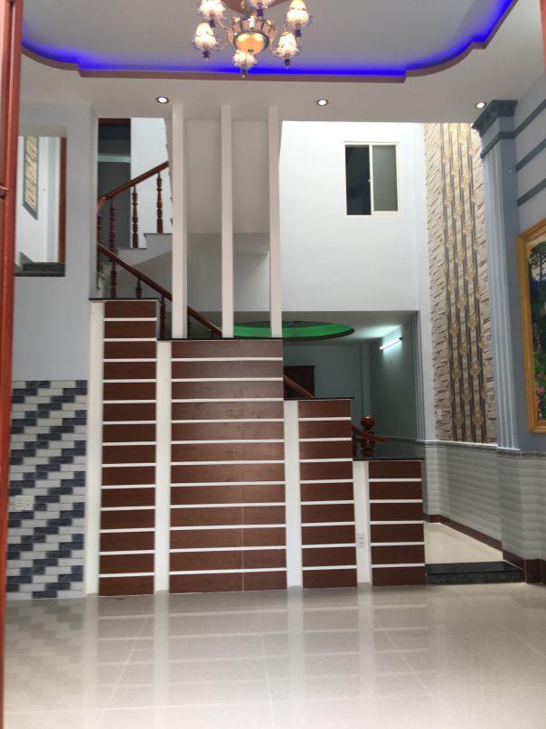 Phòng khách liền kề cầu thang